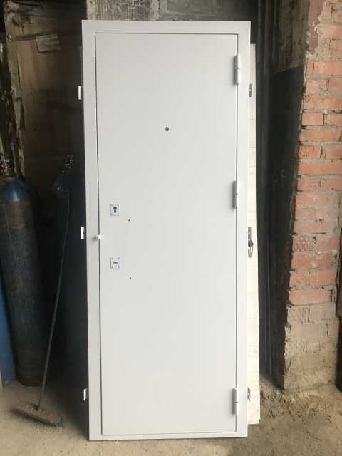 Продам Дверь металлическая 3 кл. защиты. 2мм