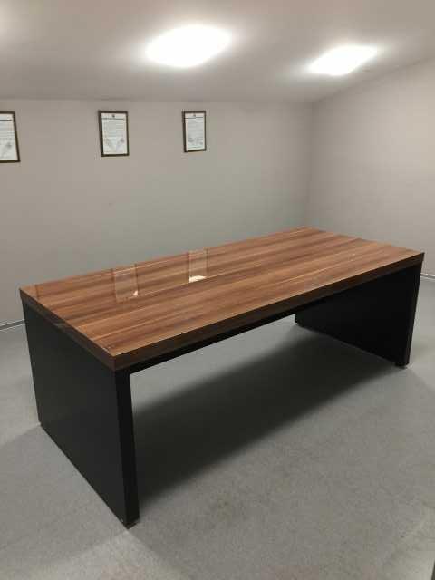 Продам: Стол деревянный
