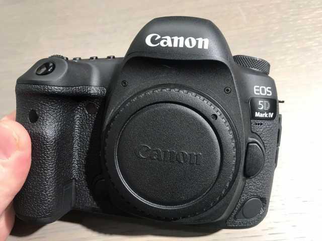 Продам: Фотоаппарат Canon EOS 5D Mark IV Body