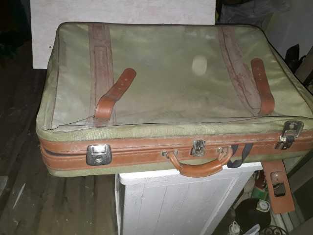 Продам: чемодан на колесах