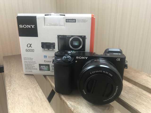 Продам Sony Alpha 6000 Kit