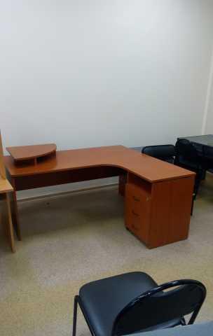 Продам: Офисный стол б/у Самовывоз. Чкаловская