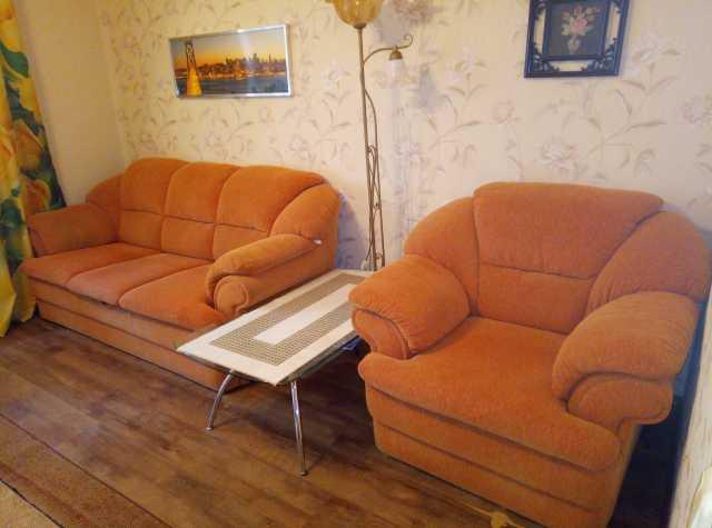 Продам: немецкие диван и кресло