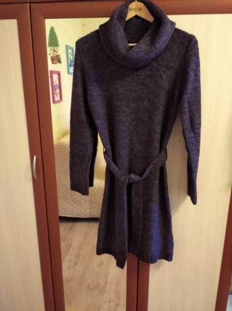 Продам Платье вязаное, тёплое (46-48 )