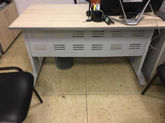 Продам: комплект офисной мебели