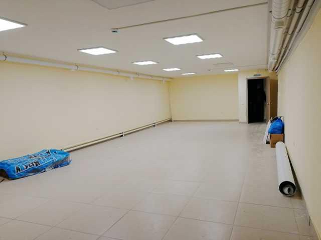 Сдам: офис услуги. зал 80 кв.м. без окон