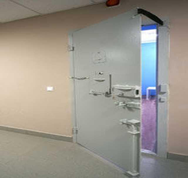 Продам: Двери камерного типа