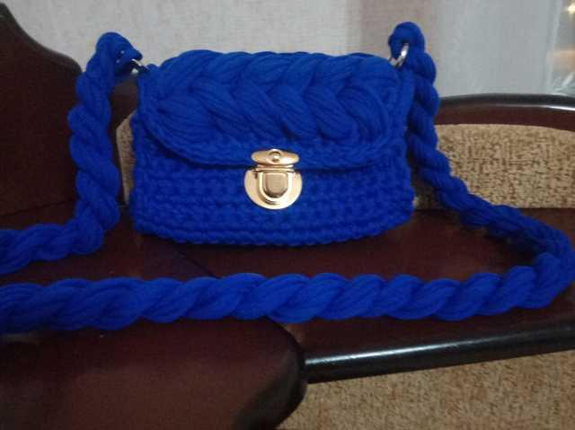 Продам: Вязаные клатчи, сумочки, рюкзаки