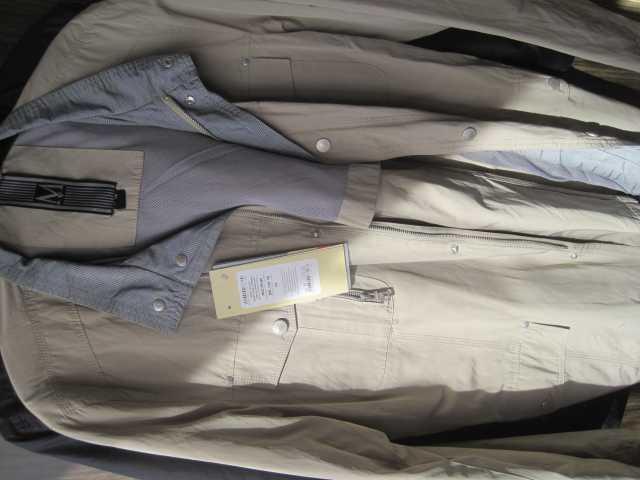 Продам: Куртка демисезонная цвета бледный хаки