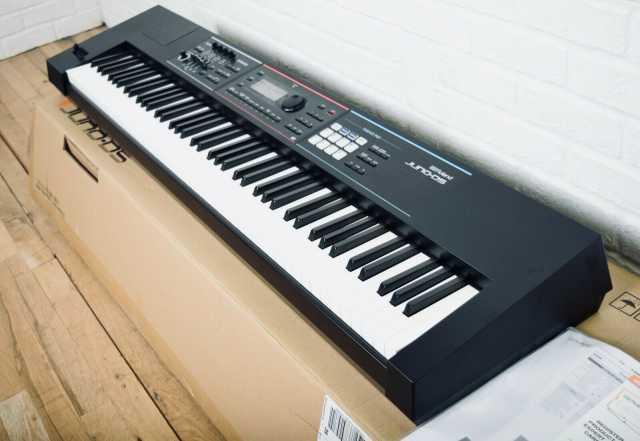 Продам: Синтезатор клавиатуры Roland Juno-DS 88