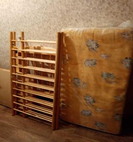 Продам: детская кроваткас матрасом