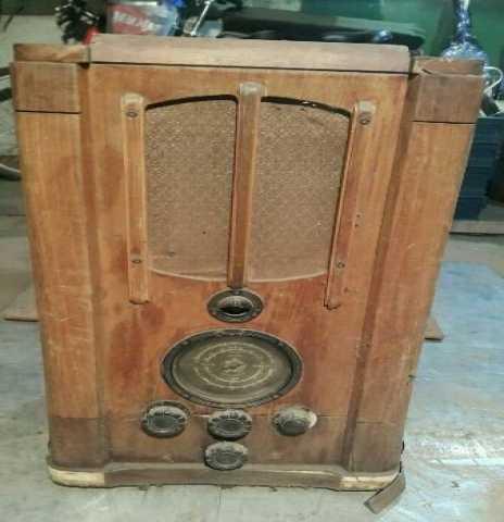 Куплю: Радиолы радиоприёмники старые
