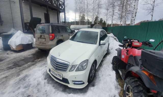 Продам: Mercedes E-класс, 2011