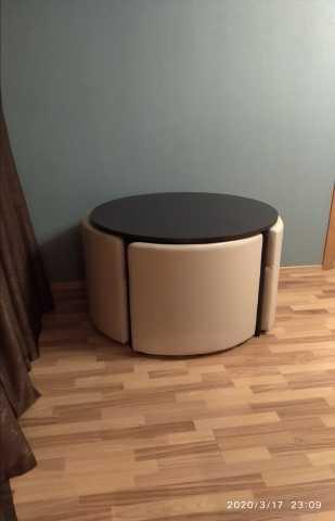 Продам: Комплект стол и стулья