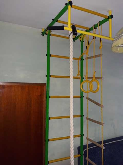 Продам: детская спортивная стенка