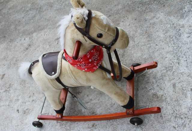 Продам Продам лошадку-качалку детскую с седлом
