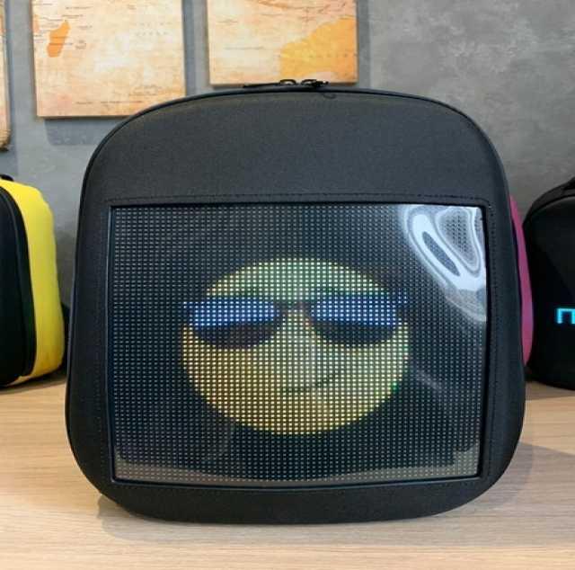 Продам: Цифровой рюкзак с LED экраном