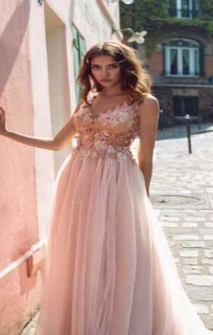 Предложение: Шикарное вечернее платье