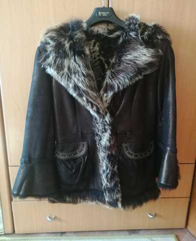 Продам модную куртку-дубленку женскую р 42-44