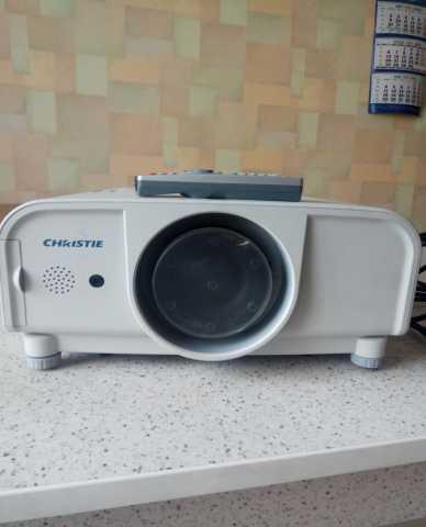 Продам видеопроектор Christie LX 380