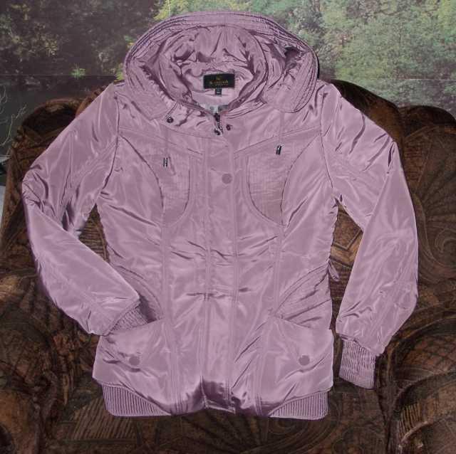 Продам: Куртка женская с капюш. Karuna