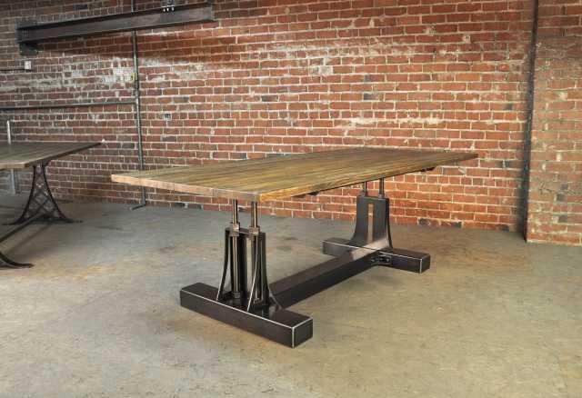 Продам Стол обеденный. Индустриальный дизайн