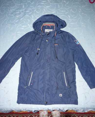 Продам: Куртка демисезонная на мальчика р.146
