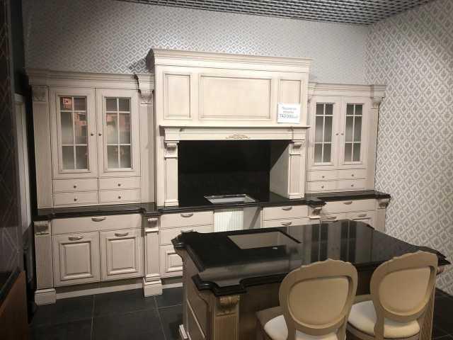 Продам: Итальянский кухонный образец Grangala