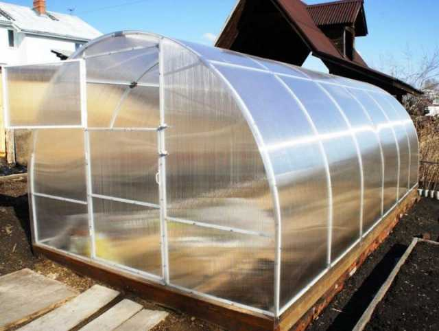 Продам: Предлагаем теплицы из поликарбоната