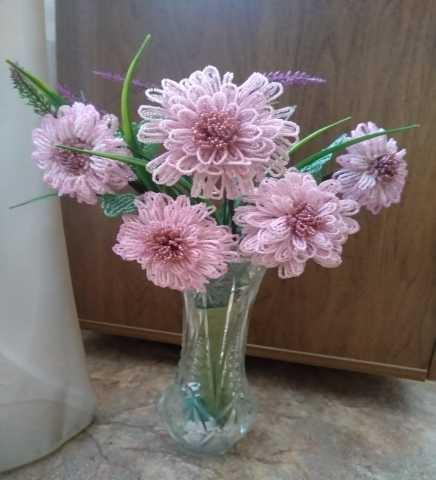 Продам: Цветы из бисера