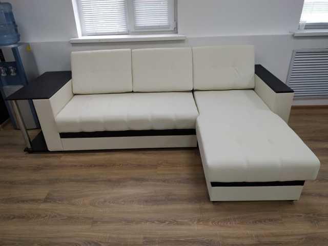 Продам: Продам угловой диван
