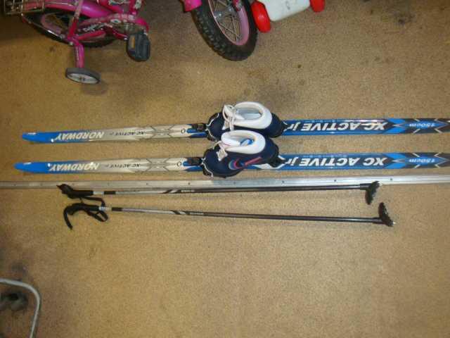 Продам: детские лыжи пластик nordway c палками и