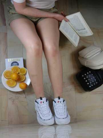 Продам: Кеды и кроссовки белые