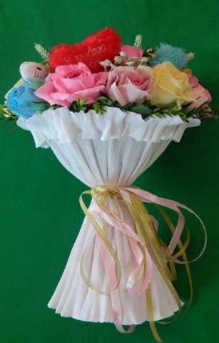 Продам: Букет из конфет с игрушкой