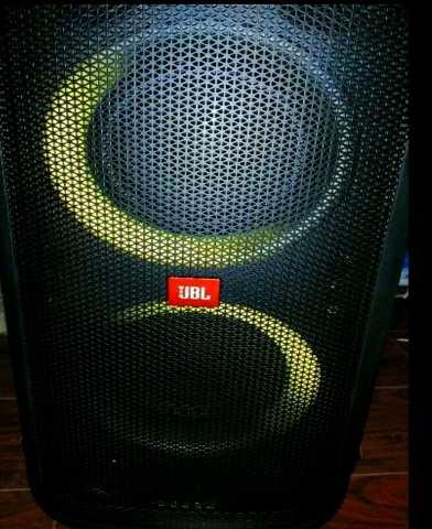 Продам: Колонка Jbl partybox 300