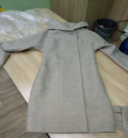 Продам: Пальто демисезонное цвет бежевый