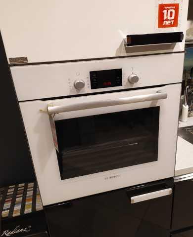 Продам: Духовой шкаф Bosch HBG33B520