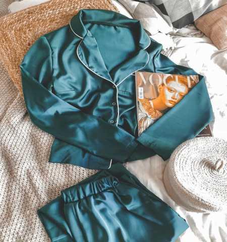 Продам: Шелковая пижама