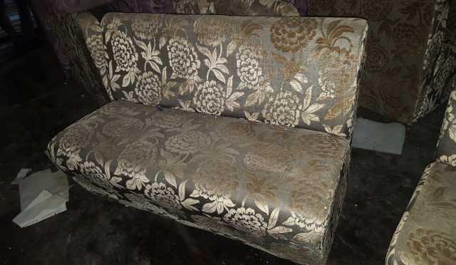 Продам: Диваны и кресла
