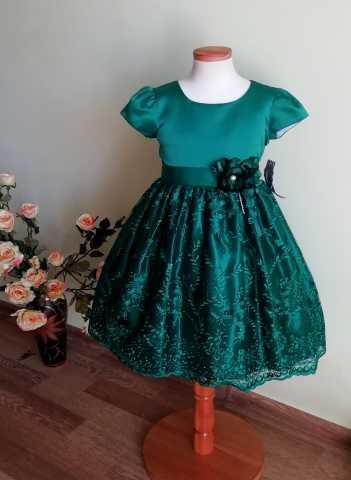 Продам: Новое праздничное платье для девочки