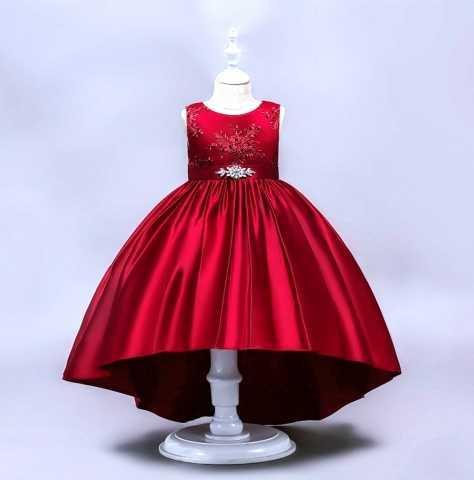 Продам: Новое платье для девочки