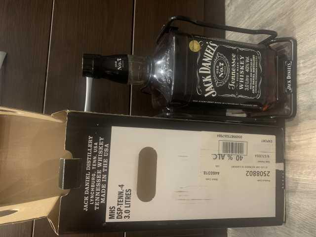 Продам: Виски Jack Daniels 3 литра на качелях