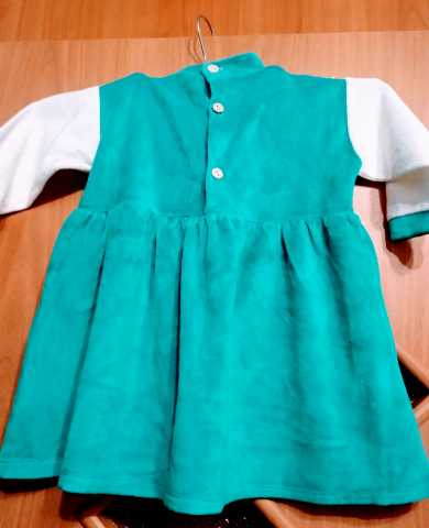 Продам: Нарядное платье для девочки