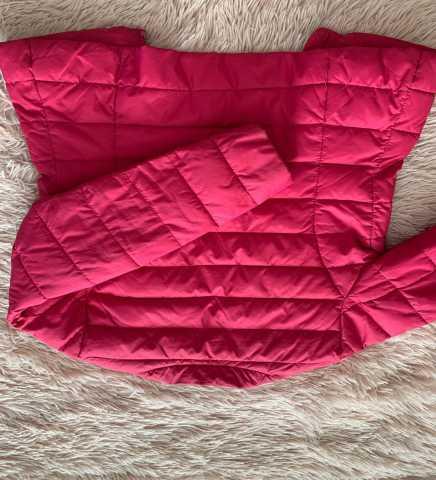 Продам: Куртка на девочку осень весна