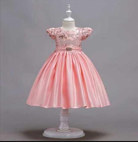 Продам: Новое нарядное платье для девочки