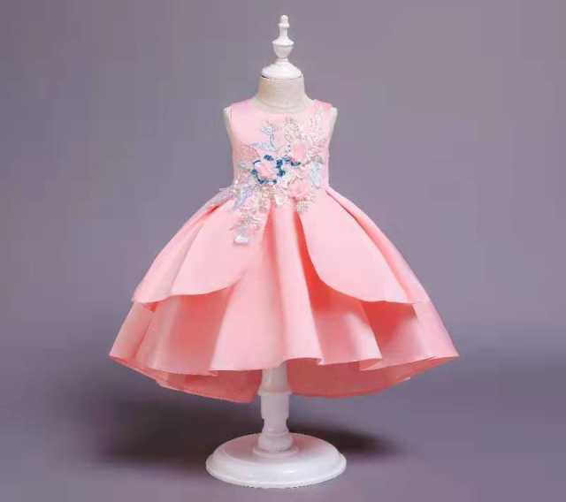 Продам: Новое красивое платье для девочки