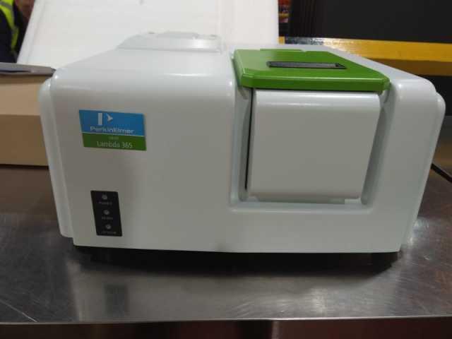 Продам: Спектрофотометр Lambda 365, Perkin Elmer