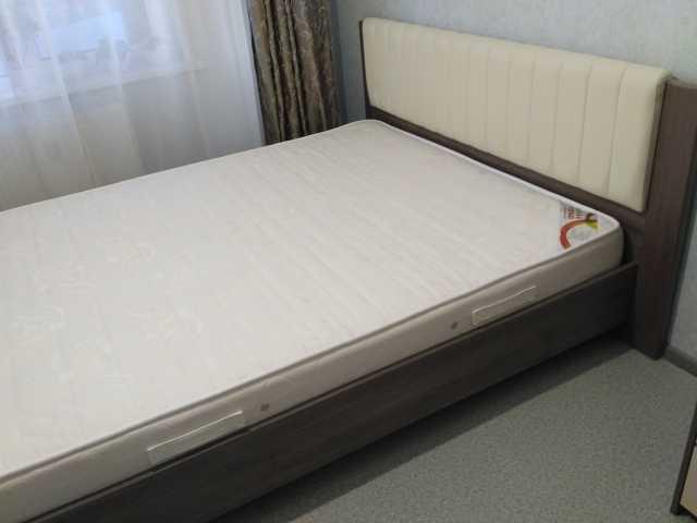 Продам: Кровать с ортопедическим основанием и ма
