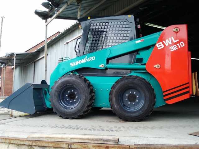 Продам: Минипогрузчик Sunward SWL 3210
