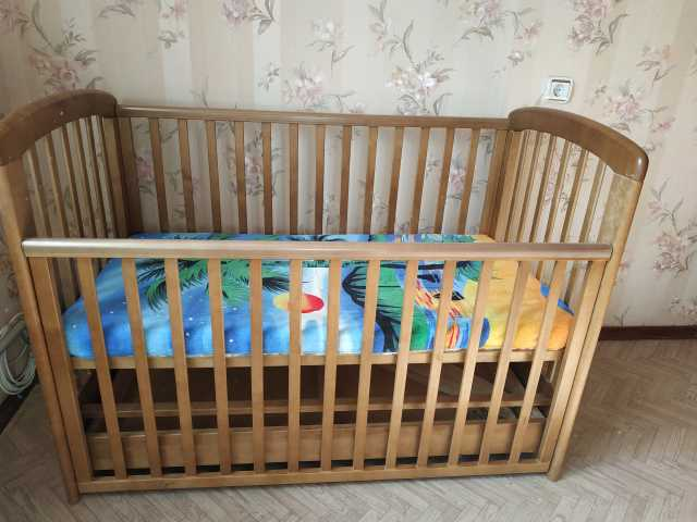 Продам: кроватка TROLL детская